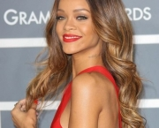 Rihanna-Grammy-2013-Featured