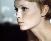 Mia Farrow (15)