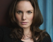 PRISON BREAK: Sarah Wayne Callies returns as Dr. Sara Tancredi on a special two-hour Season Four premiere of PRISON BREAK airing Monday, Sept. 1 (8:00-10:00 PM ET/PT) on FOX. ©2008 Fox Broadcasting Co. Cr: Michael Lavine/FOX